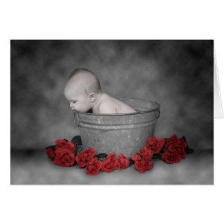 Cubo y rosas tarjeta pequeña