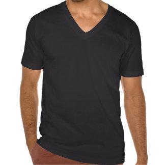 """Cuello en v del """"cráneo con alas"""" de la firma de camisetas"""