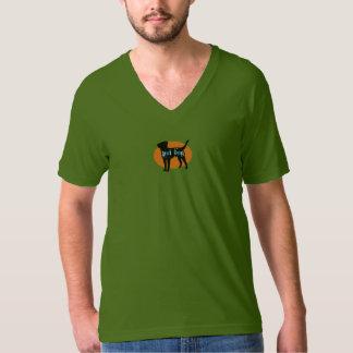 Cuello en v verde oliva de la camiseta del