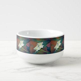 Cuenco de sopa de la flor del aguacate