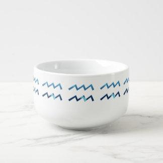 Cuenco De Sopa Muestras azules del zodiaco del acuario en blanco