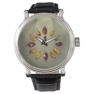 Cuero negro de encargo del vintage de las hojas reloj de pulsera