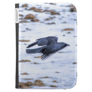Cuervo negro que vuela gótico, céltico, Wiccan