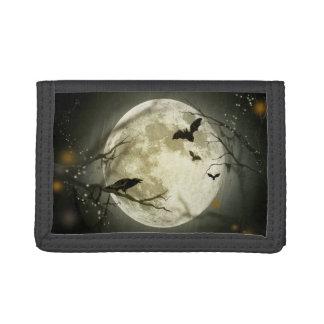 Cuervos fantasmagóricos de la luna de Halloween