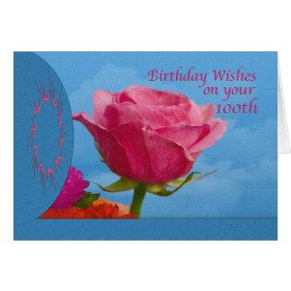 Cumpleaños, 100o, color de rosa rosado en azul tarjeta de felicitación
