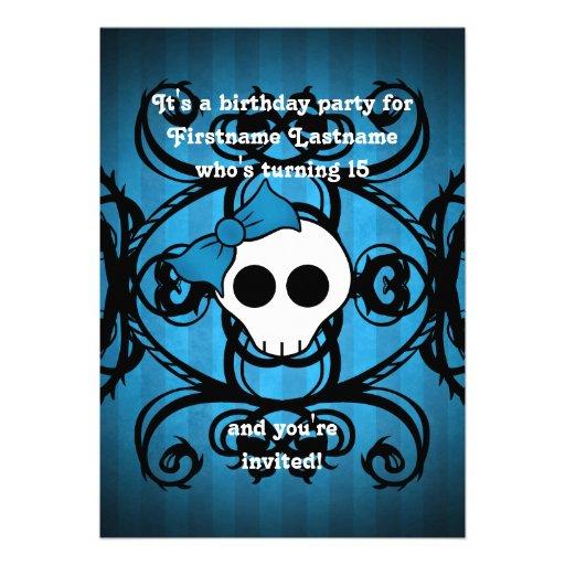 Cumpleaños azul y negro 5x7 del cráneo gótico lind anuncio personalizado