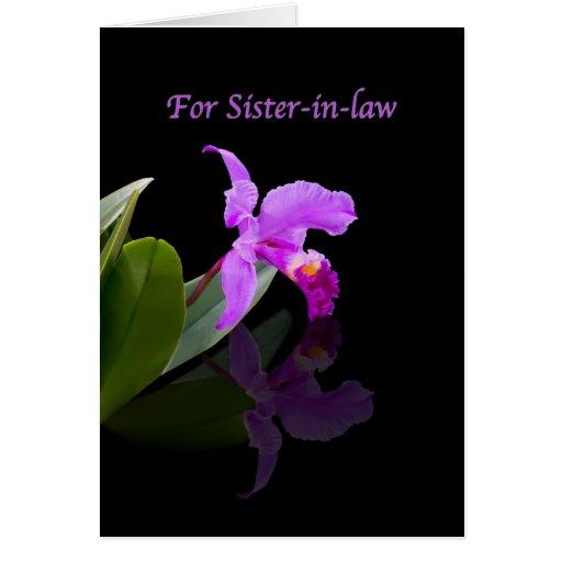 Cumpleaños, cuñada, orquídea reflejada en negro felicitaciones