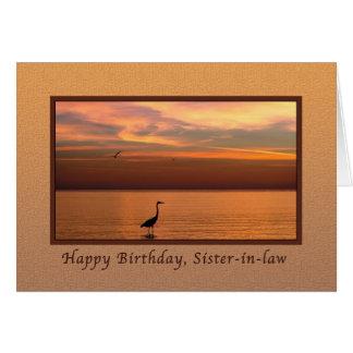 Cumpleaños, cuñada, vista al mar en la puesta del tarjeta de felicitación