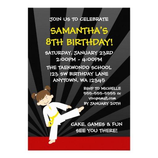 Cumpleaños de la correa del amarillo del karate de anuncio personalizado
