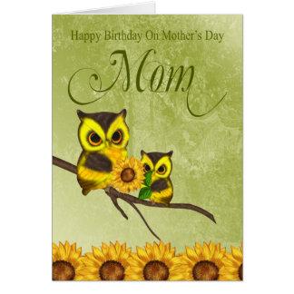 Cumpleaños de la mamá en la tarjeta de felicitació
