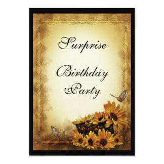 Cumpleaños de oro de la sorpresa de los girasoles invitación 12,7 x 17,8 cm
