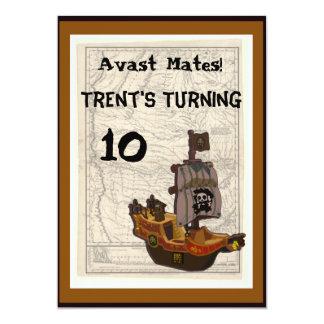 Cumpleaños del barco y del mapa del pirata invitación 12,7 x 17,8 cm