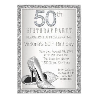 Cumpleaños del brillo de la mujer 50.o del zapato invitación 12,7 x 17,8 cm