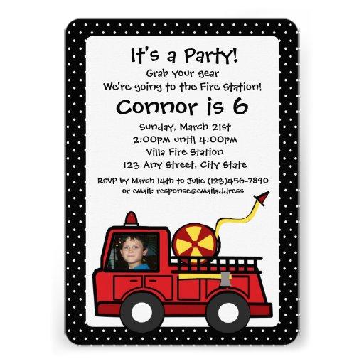 Cumpleaños del coche de bomberos con la foto comunicados personales