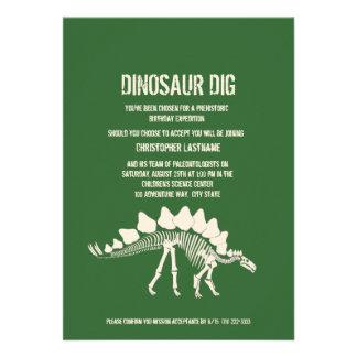 Cumpleaños del empuje del dinosaurio