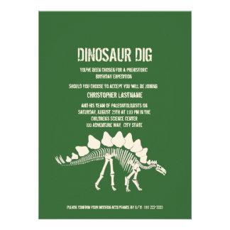 Cumpleaños del empuje del dinosaurio invitacion personal