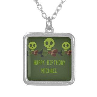 Cumpleaños del esqueleto de Camo Collares Personalizados