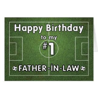 Cumpleaños del fútbol del suegro con el campo de tarjeta de felicitación