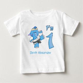 Cumpleaños del karate del elefante 1r camiseta de bebé