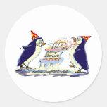 Cumpleaños del pingüino etiquetas redondas