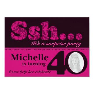 Cumpleaños del rosa de la sorpresa del ssh de la invitaciones personales