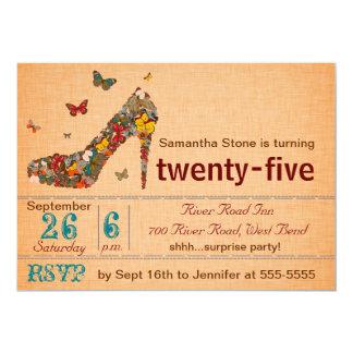Cumpleaños del tacón alto de las mariposas el 25to invitación 12,7 x 17,8 cm
