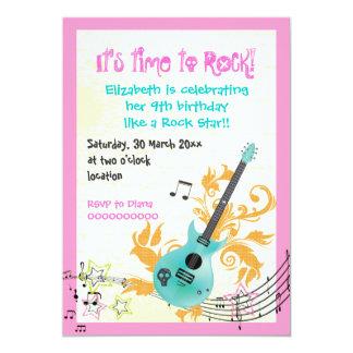 Cumpleaños femenino de los chicas de la guitarra invitación 12,7 x 17,8 cm