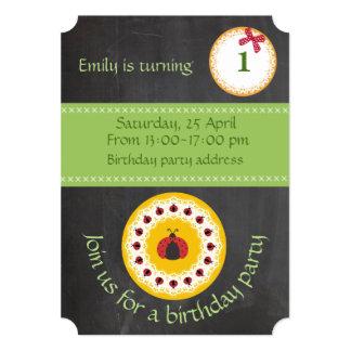 Cumpleaños femenino trandy lindo de la mariquita invitación 12,7 x 17,8 cm