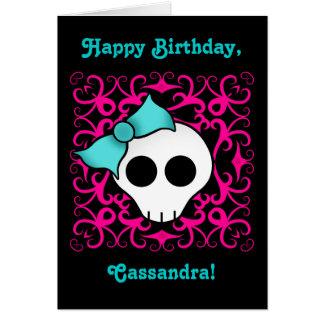 Cumpleaños gótico lindo del cráneo para el tween o tarjeta de felicitación