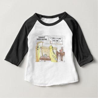 Cumpleaños, la manera del parakeet camiseta de bebé