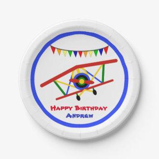 Cumpleaños lindo del muchacho del aeroplano plato de papel