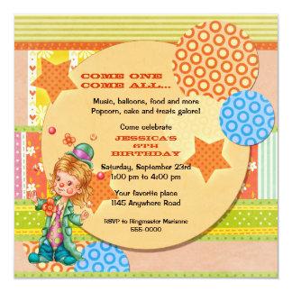 Cumpleaños lindo del payaso de circo que hace invitación 13,3 cm x 13,3cm