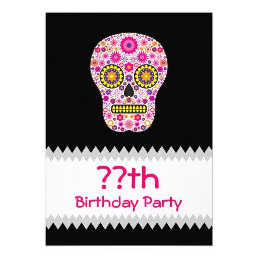Cumpleaños mexicano rosado del cráneo del azúcar comunicado personalizado