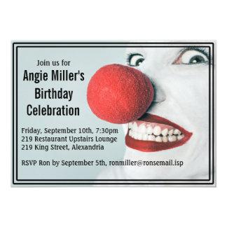 Cumpleaños moderno de la cara divertida del payaso invitación 12,7 x 17,8 cm