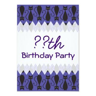Cumpleaños púrpura y negro del gato del gótico invitación 12,7 x 17,8 cm