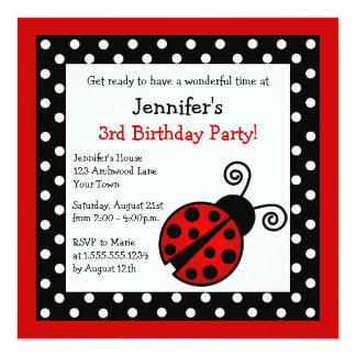 Cumpleaños rojo de la mariquita - lunares blancos invitación 13,3 cm x 13,3cm