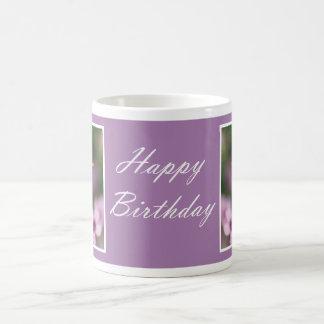 Cumpleaños - taza rosada del alazán de madera