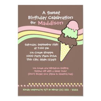 Cumpleaños y sueño del helado encima invitacion personal