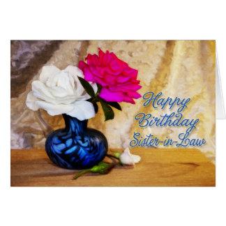 Cuñada, feliz cumpleaños con los rosas pintados tarjeta