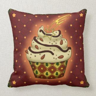 Cupcake mono con almendras cojín decorativo