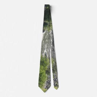Curva del río corbata personalizada