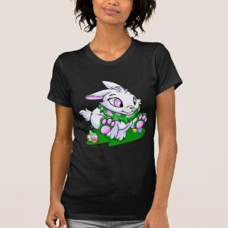 Cybunny verde que compite con a través de neggs camiseta