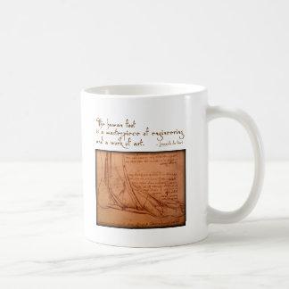 """da Vinci: """"El pie humano es… """" Taza Básica Blanca"""
