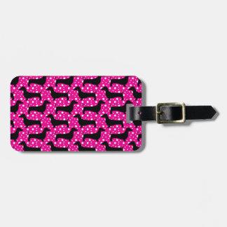 Dachshunds rosados de la polca etiqueta de maleta