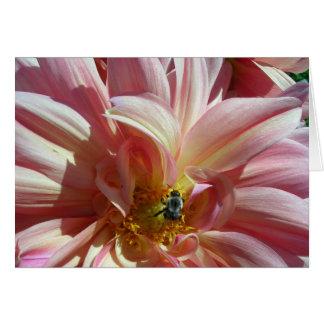 Dalia con la abeja tarjeta pequeña