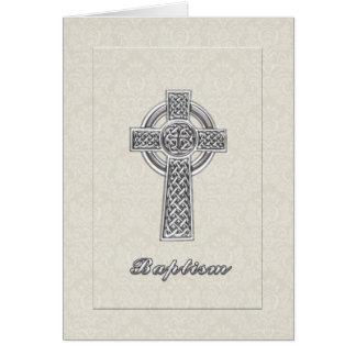 Damasco de marfil del bautismo con la cruz de tarjeta de felicitación