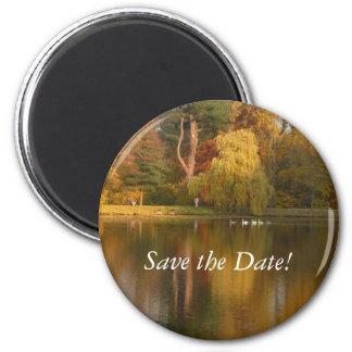 Date Save the Autumn Lake imán
