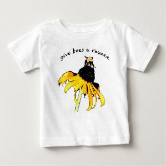Dé a abejas un niño T de la ocasión Camiseta De Bebé
