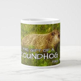 Dé a regalo de un Groundhog esta taza del año