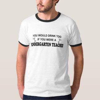 De la bebida maestro de jardín de infancia también camiseta